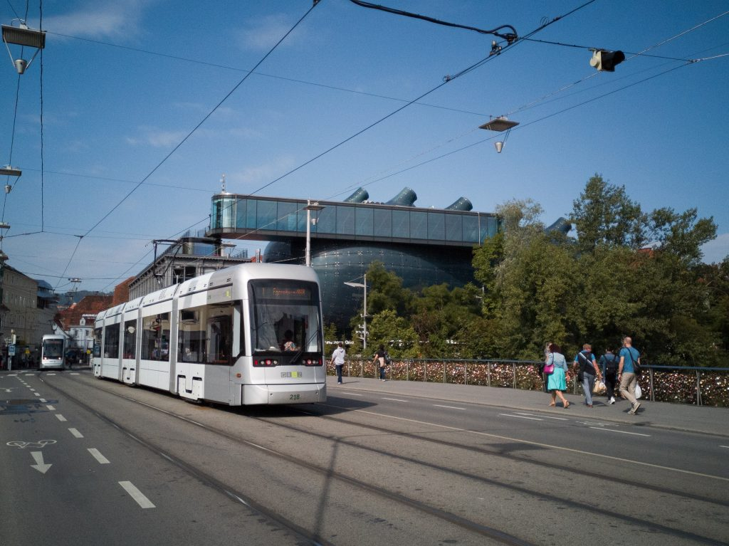 a tram in front of the Kunsthaus