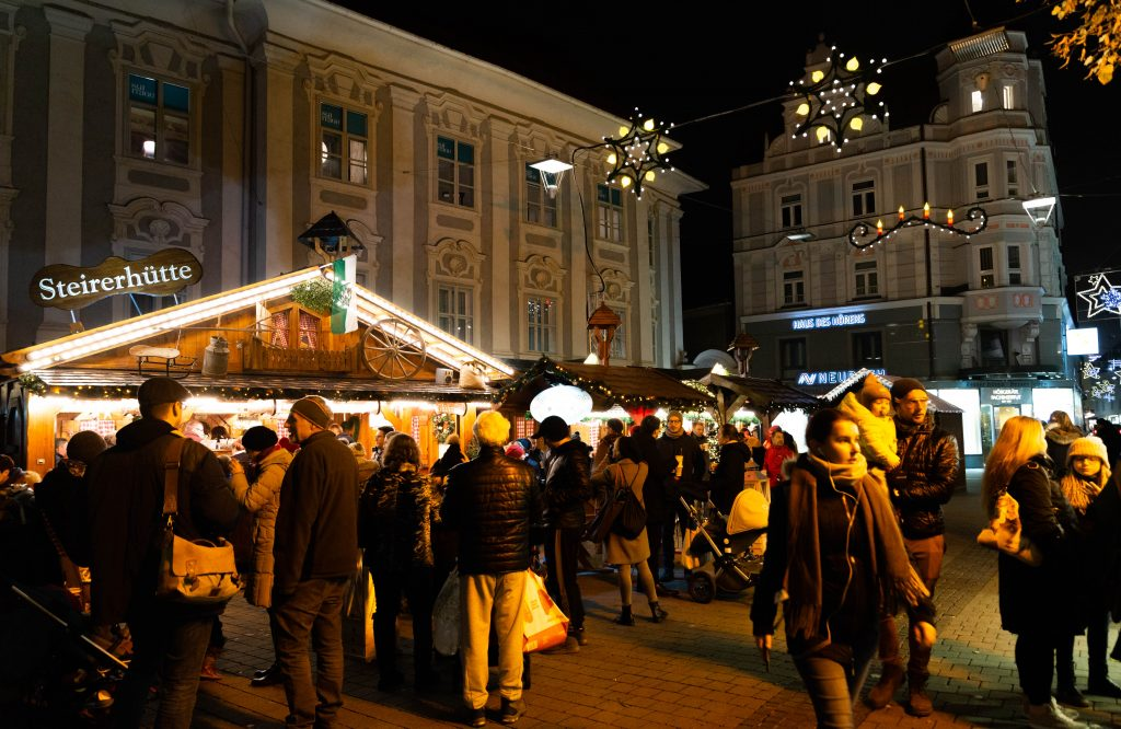 christmas markets in südtirolerplatz